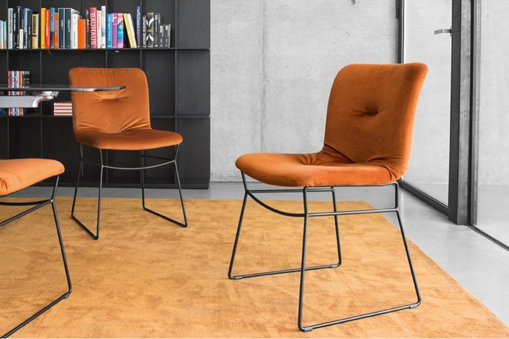 Annie%20Soft%20Metal%20Sled%20Black%20cs1847_P15_S0K_cs6041-A2_P15L_7185.jpg Annie Sofa Dining Chair - Sled Metal Base - Velvet Fabric Dining Chair Calligaris Annie%20Soft%20Metal%20Sled%20Black%20cs1847_P15_S0K_cs6041-A2_P15L_7185.jpg Annie Sofa Dining Chair - Sled Metal Base - Velvet Fabric Dining Chair Calligaris