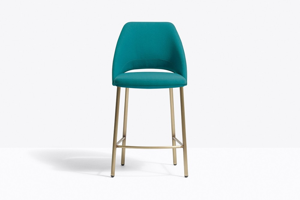 VIC 659 OA TC613 zoom2.jpg Vic stool_DESIGN:PATRICK NORGUET_Pedrali_Made in italy_minimal outline _Inspired by classic mid-century chairs_Seat and backrest with inner structure in steel_padded with polyurethane foam and upholstered in leather or fabric_tubular steel legs joined seamlessly VIC 659 OA TC613 zoom2.jpg
