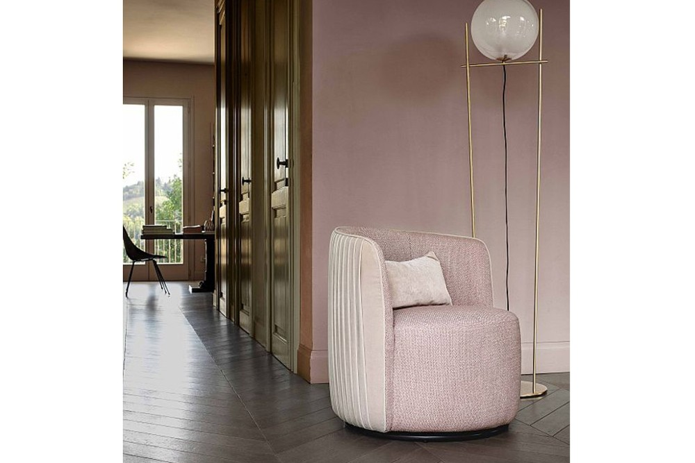 chloe%20luxury%203.jpg Chloe luxury armchair_Designed by Stefano Spessotto E Lorella Agnoletto_ Ditre Italia_Made in Italy_Art Deco style_ Refined pleating_Rounded shape_Embellished backrest chloe%20luxury%203.jpg