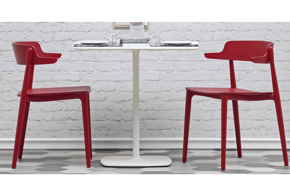 Nemea Stylus 02.jpg Italy_ TYLUS 5400_DESIGN:PEDRALI R&D_minimalistic look_organic outline_slim central column_rounded corners_flat square base_both square and round table tops. Nemea Stylus 02.jpg