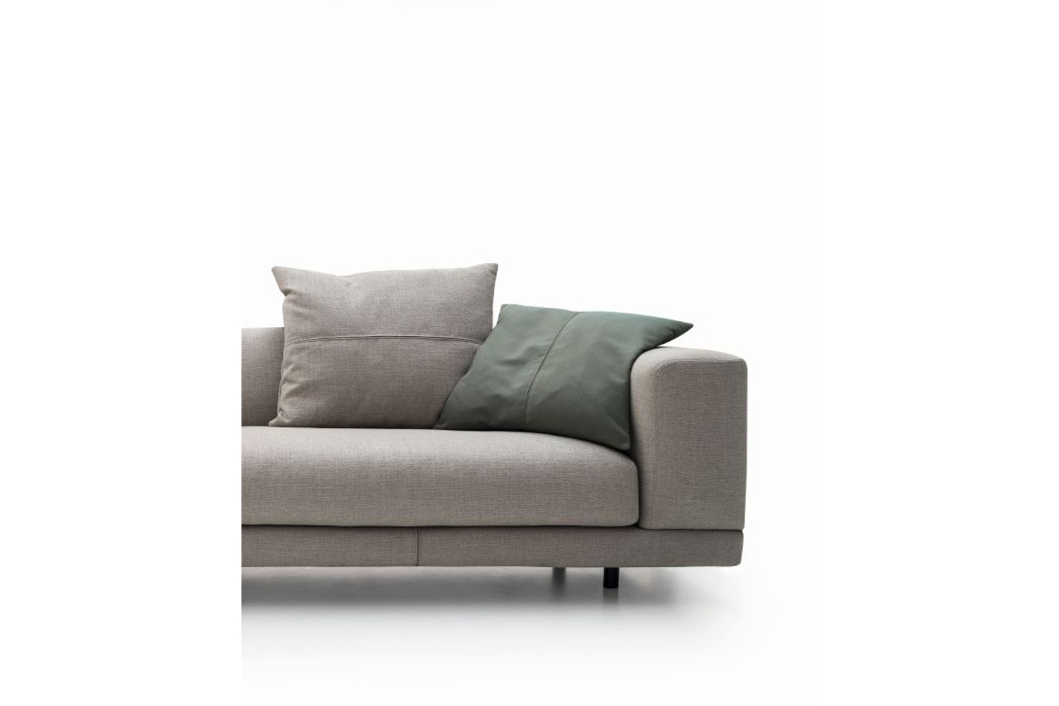 Nevill low bracciolo.jpg Nevyll sofa_Made by Ditre Italia_In Italy_Low back and High back options_ Fabric and Leather Upholstery Nevill low bracciolo.jpg