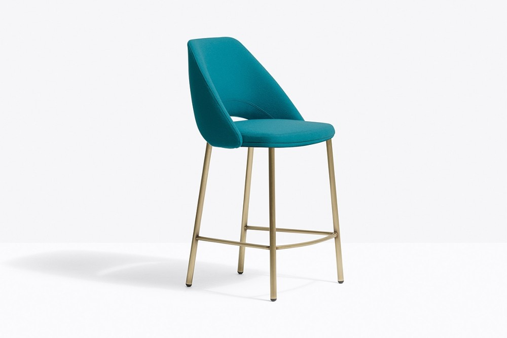 VIC 659 OA TC613 zoom%20%281%29.jpg Vic stool_DESIGN:PATRICK NORGUET_Pedrali_Made in italy_minimal outline _Inspired by classic mid-century chairs_Seat and backrest with inner structure in steel_padded with polyurethane foam and upholstered in leather or fabric_tubular steel legs joined seamlessly VIC 659 OA TC613 zoom%20%281%29.jpg