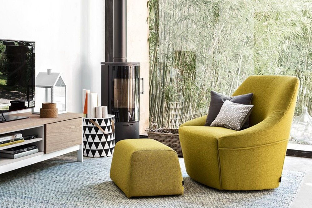 cs 3366 a 01.jpg Alma Swivel Armchair_ By Calligaris_ Made in Italy_ Designed by Bernhardt & Vella _Decorative stitching_ Cold cured Polyurethane foam_ Single or two tone colour fabric or leather covers cs 3366 a 01.jpg