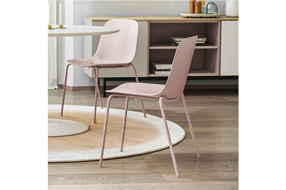 Vela%20metal%204%20leg%203.jpg Vela dining chair_Stackable_Made by calligaris_Designed by E-ggs_ Bioplastic_4 leg metal chair_Made in Italy Vela%20metal%204%20leg%203.jpg