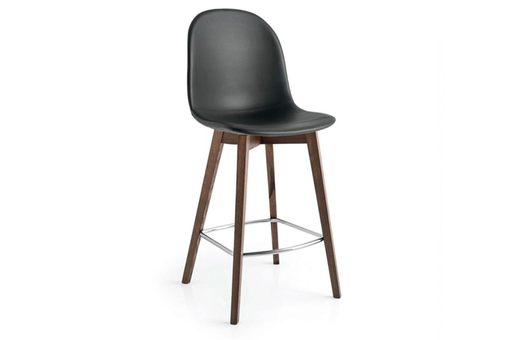 Academy wood stool 2 Academy wood stool 2.jpg Academy wood stool%5FBy Calligaris%5F Four legs%5F