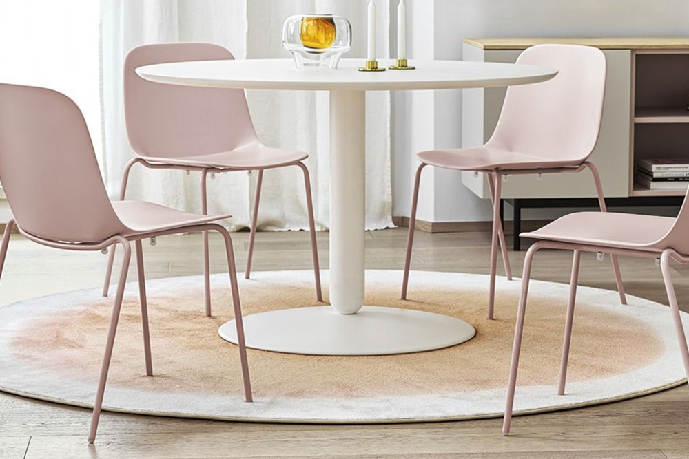 vela%20metal%204%20leg%201.jpg Vela dining chair_Stackable_Made by calligaris_Designed by E-ggs_ Bioplastic_4 leg metal chair_Made in Italy vela%20metal%204%20leg%201.jpg