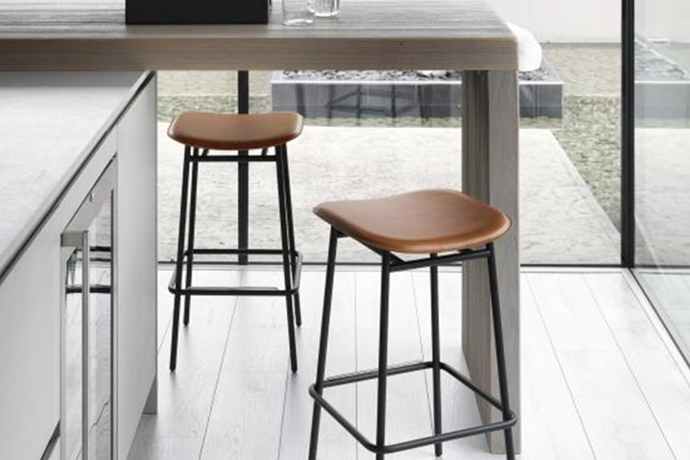 Fifties%20stool%202.jpg Fifties stool_ By Calligaris_ Made in Italy_No Back_ Leather or fabric upholstery_Designed by Busetti_Garuti_Radaelli Fifties%20stool%202.jpg