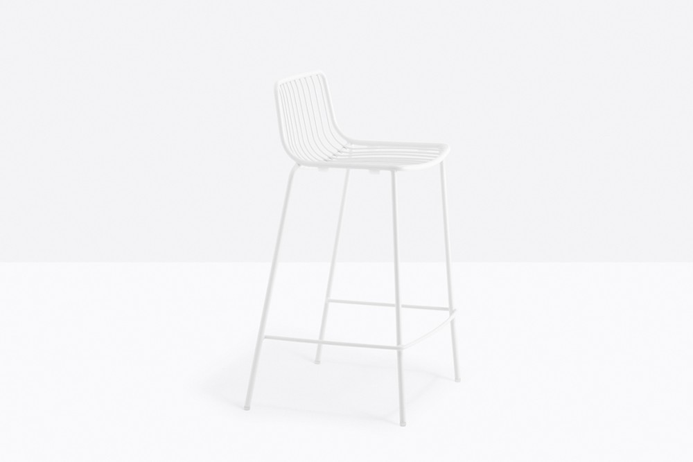 Nolita 3657 06 zoom.jpg Nolita Stool_By Pedrali_Made in italy_ By CMP Design_outdoor seatings_metal garden chairs_Barstool with steel tube frame powder coated for outdoor use_ Seat height 650 mm. Nolita 3657 06 zoom.jpg