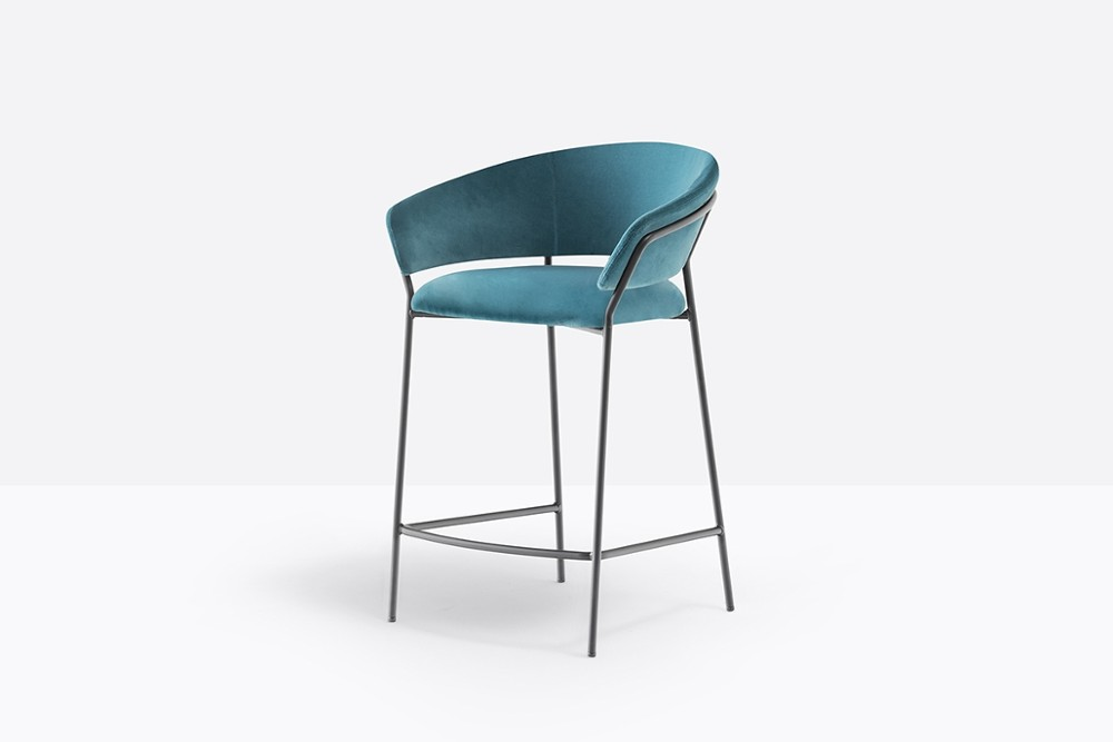 Jazz 3717 01 zoom.jpg JAZZ 3717_DESIGN:PEDRALI R&D_Pedrali_Made in iTaly_seat and the curved backrest _ light steel structure_ combination of upholstery, in fabric or imitation leather _ various steel finishes. Height 670mm Jazz 3717 01 zoom.jpg