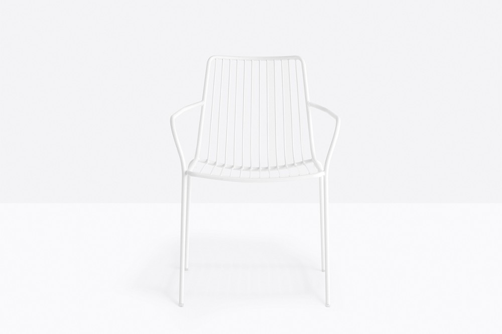 Nolita 3656 04 zoom.jpg Nolita carver chair_ DESIGN:CMP DESIGN_outdoor seatings_ metal garden chairs_Armchair with high backrest_completely made of steel and designed specifically for outdoor use. Stackable. A seat cushion is also available. Nolita 3656 04 zoom.jpg