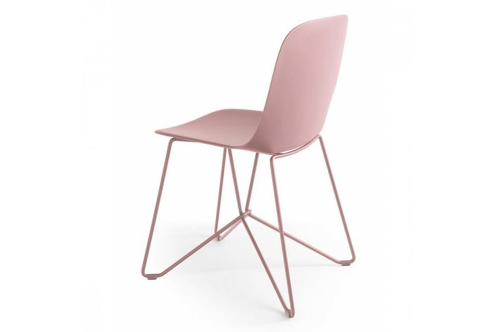 Vela%20spider%20base%201.jpg Vela Dining Chair_Made by Calligaris_Made in Italy_Designed by E-ggs_Range of colours_Upholstered options available_Bioplastic_Metal base _Propylene seat Vela%20spider%20base%201.jpg