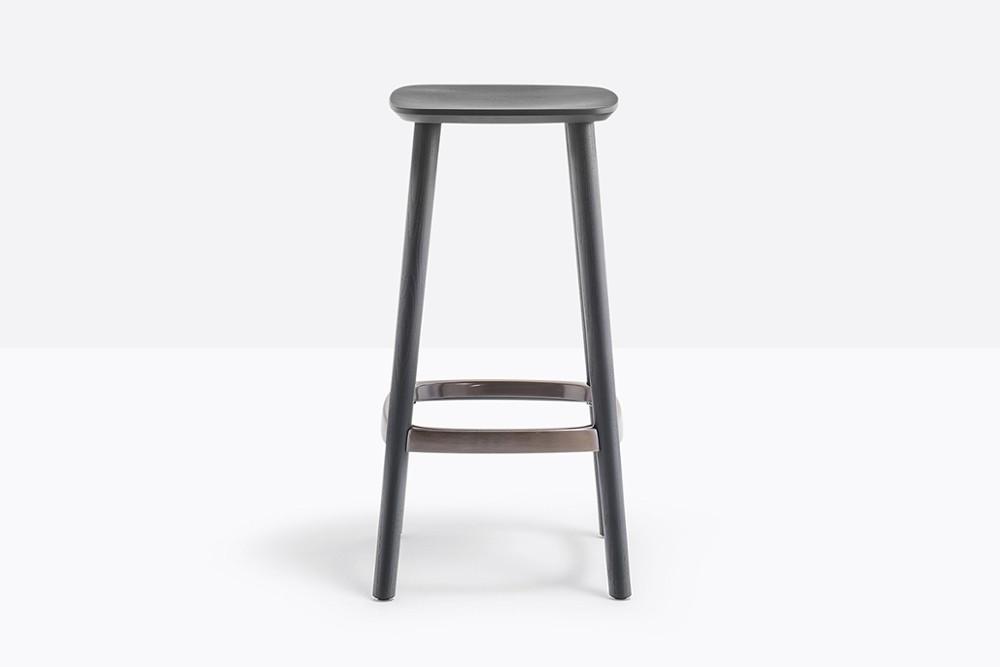 Babila 2702 05 zoom.jpg Babila stool_ Pedrali_ Italy_Simplistic_Direct_Tapered legs_Ash wood_Plywood seat Babila 2702 05 zoom.jpg
