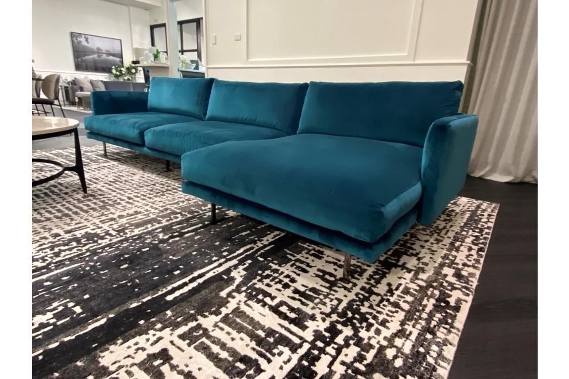 Mies Sofa with Chaise RAF Mies%202.jpg