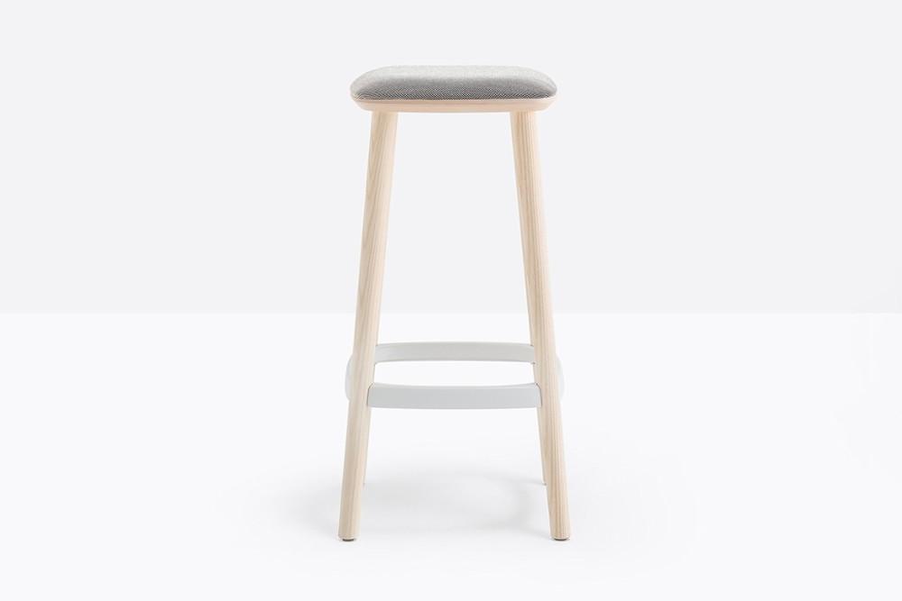 Babila 2702 A 01 zoom.jpg Babila stool 2702-a_ ash wood_ tapered legs_ simplistic design_ pedrali_italy Babila 2702 A 01 zoom.jpg
