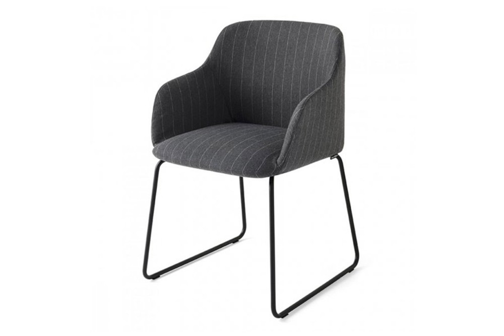 Elle%20chair%20sled.jpg Elle chair_By Calligaris_Made in Italy_Designed by E-ggs_Leather or Fabric upholstery_Different leg options_ Ergonomic_Comfortable_Armchair Elle%20chair%20sled.jpg