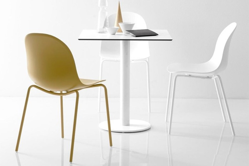 Academy chair 1 Academy chair 1.jpg Academy Chair%5FBy Calligaris