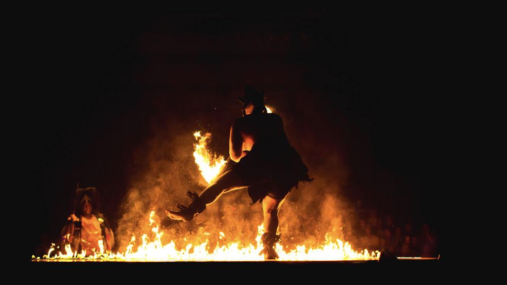 Tanečník u ohně
