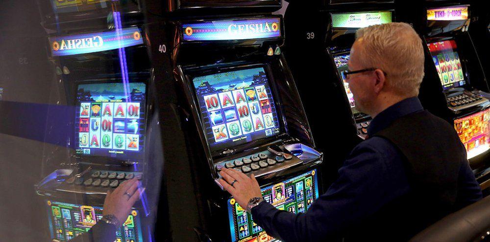 Cách gian lận máy đánh bạc từ Hacker người Nga nổi tiếng