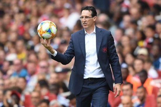 Unai Emery để Laurent Koscielny ở lại Arsenal cho mùa giải tới