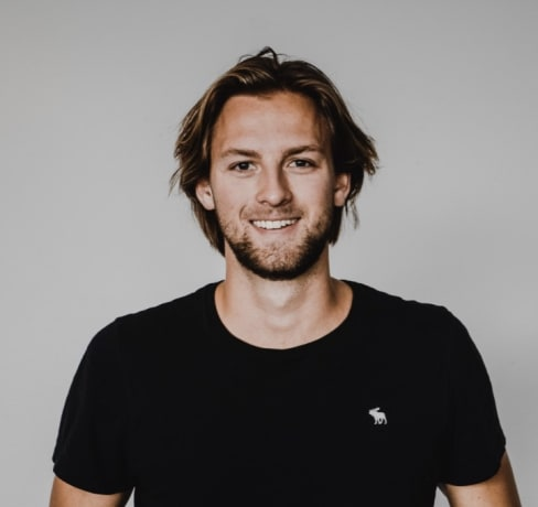 Magnus: Bussiness, Economics & Web Development