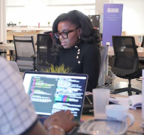 À la rencontre de nos étudiantes - Clémence, Entrepreneure & Designer UI/UX