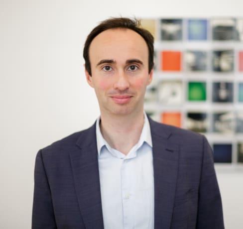 Xavier d'ingénieur système à Research Engineer AI chez Facebook