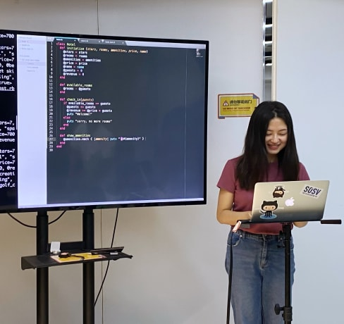 Meet our Full-stack Web Lead Instructor Xun, a creative programmer