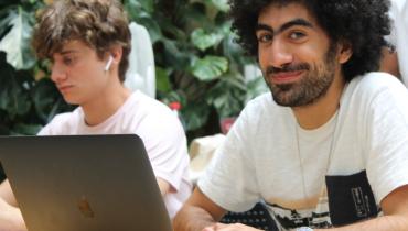 Développeur freelance & musicien : Louis navigue entre ses deux passions
