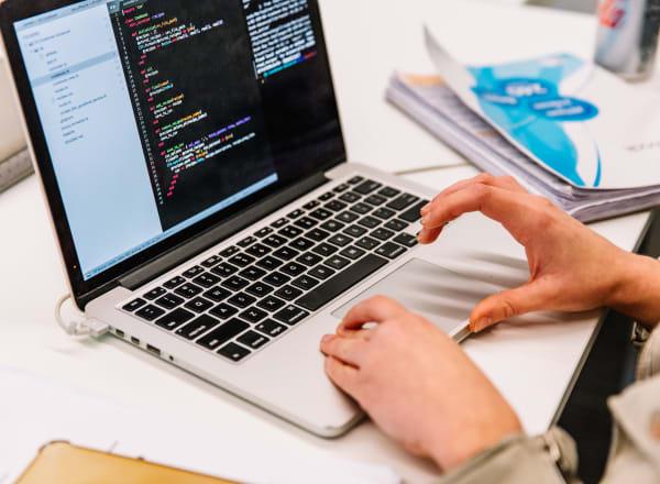 Qual a melhor linguagem de programação para aprender?