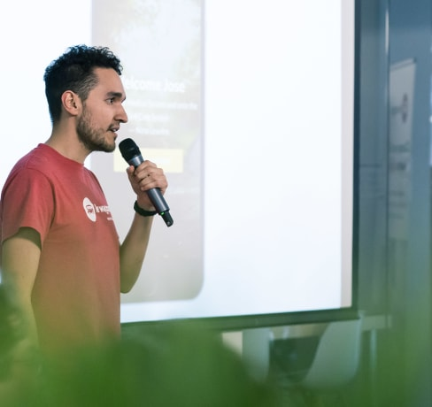 How to bring your ideas to life : an entrepreneur's journey from learning how to code to raising $400K