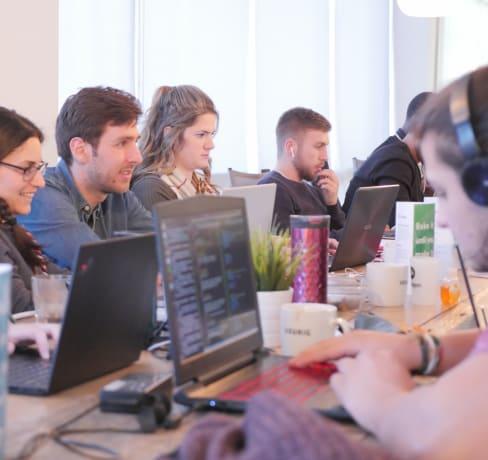 À la rencontre de nos étudiantes - Laurence, mieux comprendre le travail des développeurs