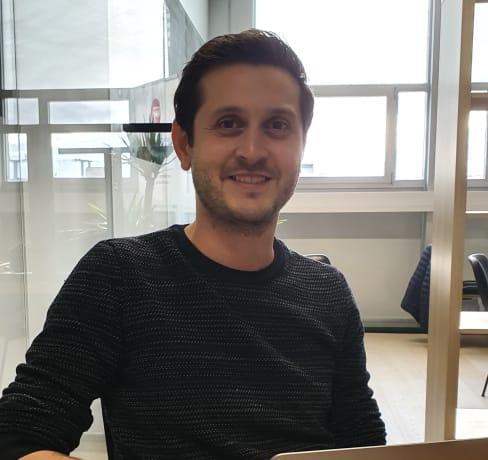 Sinan devient Product Owner dans une startup locale