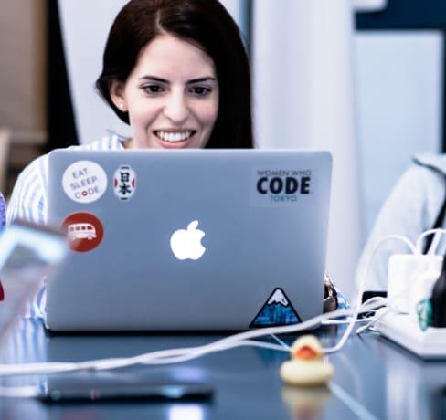 O que é melhor para aprender a programar: cursos online ou bootcamps de programação?