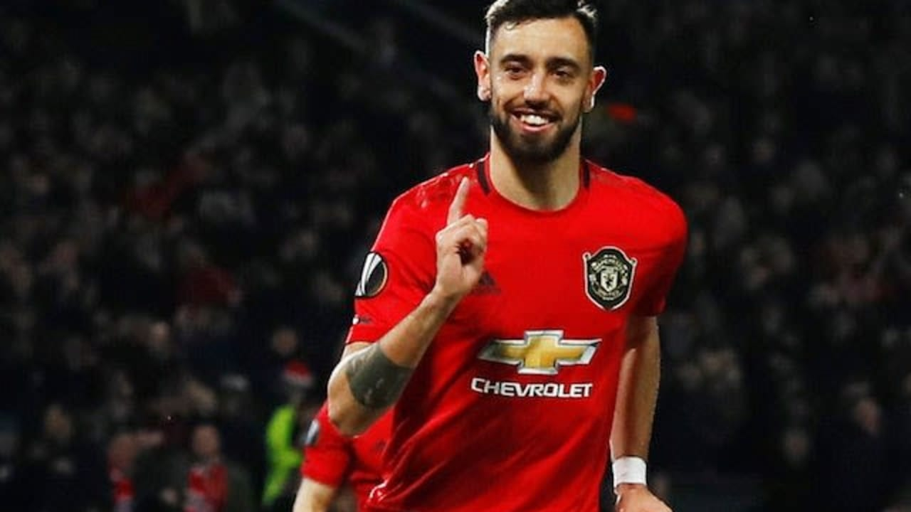Player of the Month: Fernandes breaks Premier League record