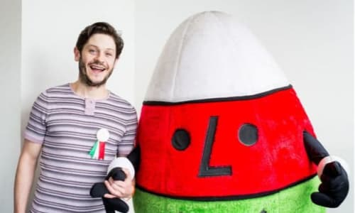 Game of Thrones star Iwan Rheon holding hands with Mr Urdd