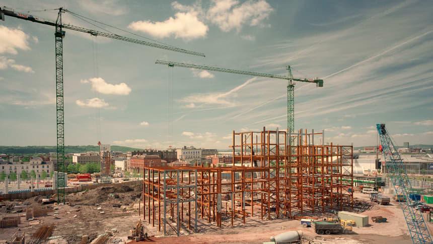 Gwaith adeiladu cynnar ym Mae Caerdydd/ Early construction in Cardiff Bay