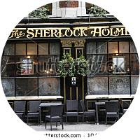 """""""Chips"""" and a Pint at a British Pub"""
