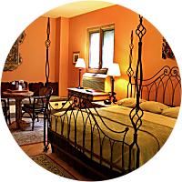 1 night accommodation at Los Posada in Winslow
