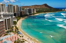 Honeymoon in Honolulu, Hawaii
