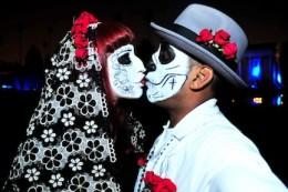 Honeymoon in Dia de los Muertos in Oaxaca, Mexico!