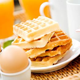 A romantic breakfast in bed