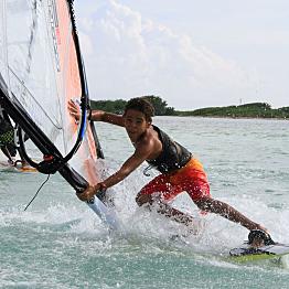 Windsurfing Lac Bay