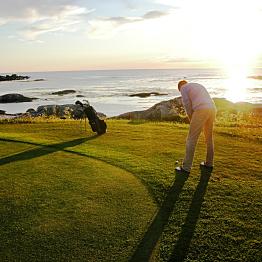 Lofoten Golf Links special golf pack rental
