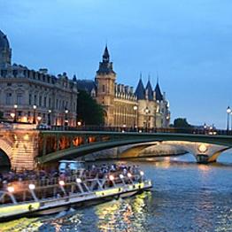 River boat ride on the Seine