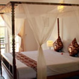 3-Night Stay at Frangipani Villa Hotel
