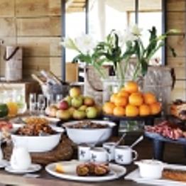 Breakfast at Lodge