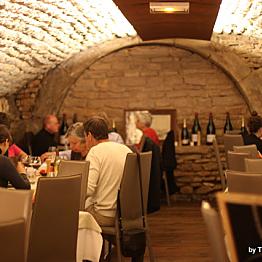 Romantic dinner at Caveau des Arches