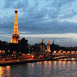 Tour a Paris