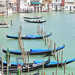 Gondola in Venice!