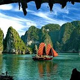 Dragon Boat on Ha Long Bay